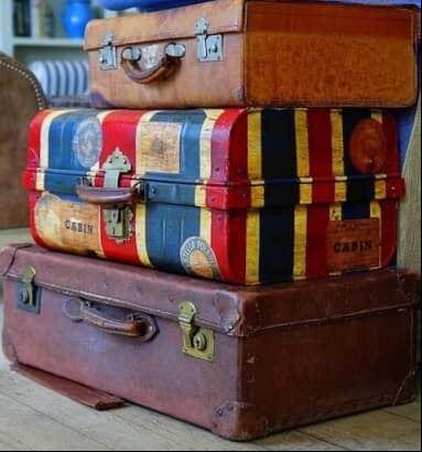Mangiati parole e valigia.   by @io_marinella