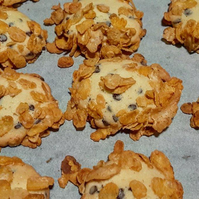 Biscotti con cornflakes by @_iosonome_ on twitter