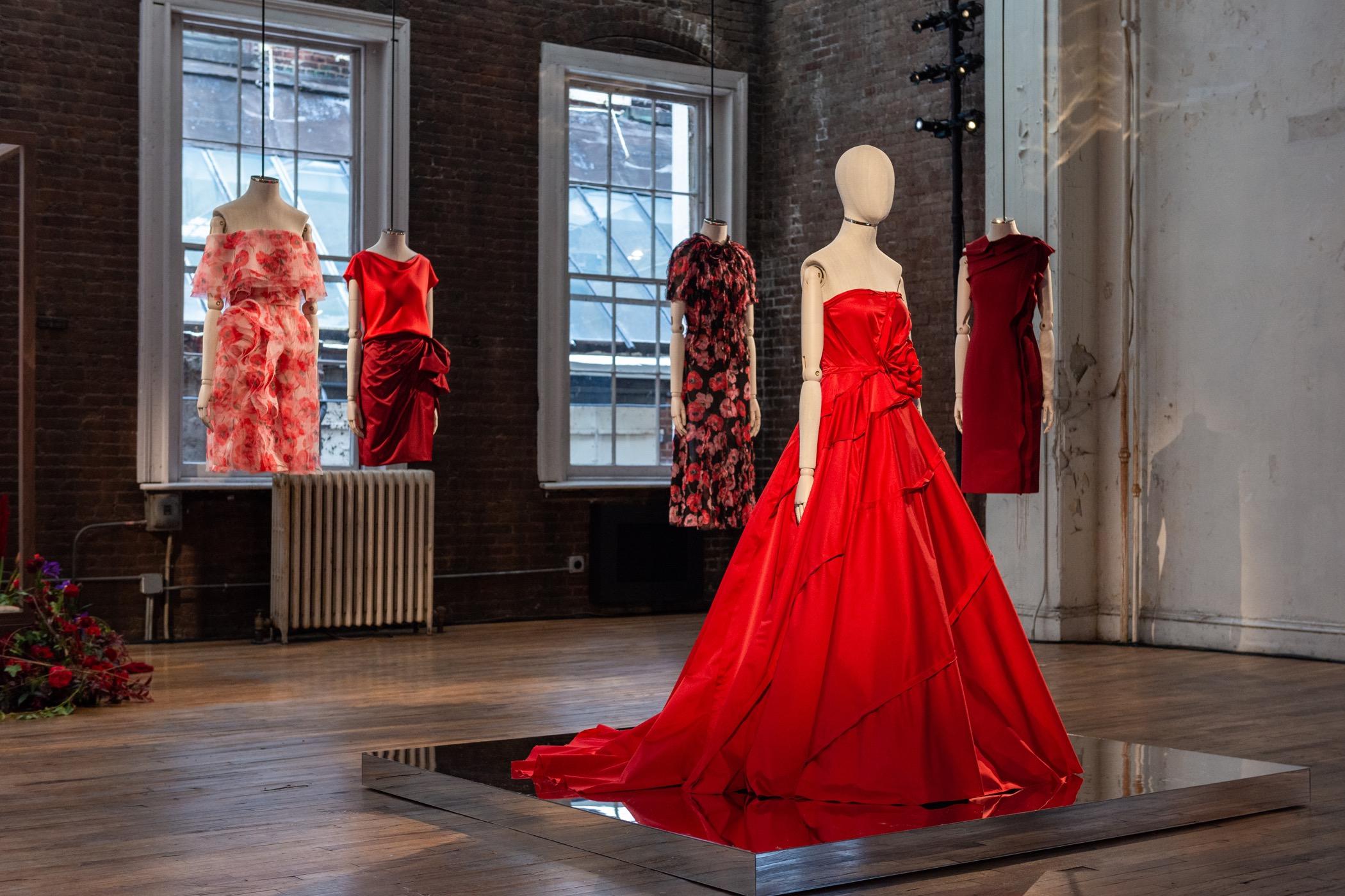 Il vestito rosso by @_iosonome_ on twitter